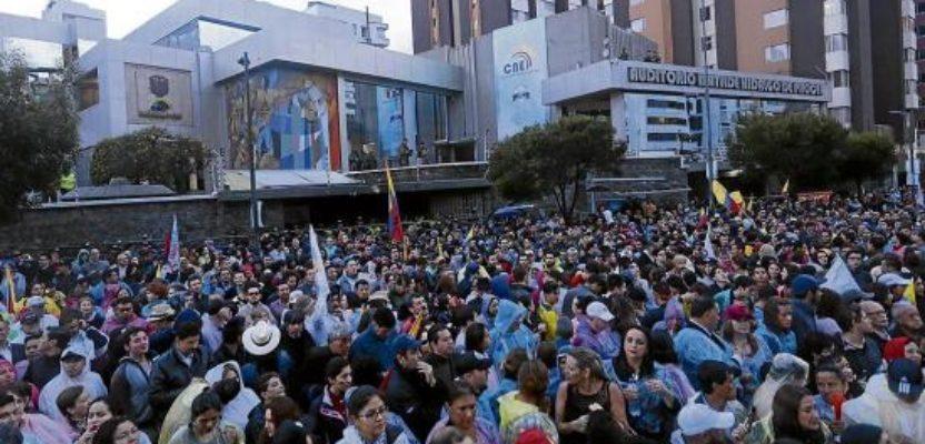 «Incendiamos Quito»