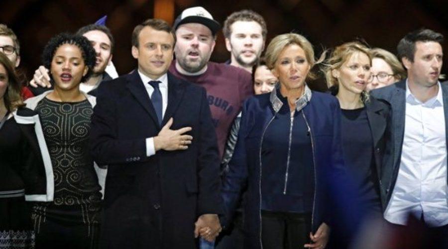 Francia, entre la política y el amor