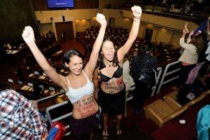 Chile dice si al aborto legal
