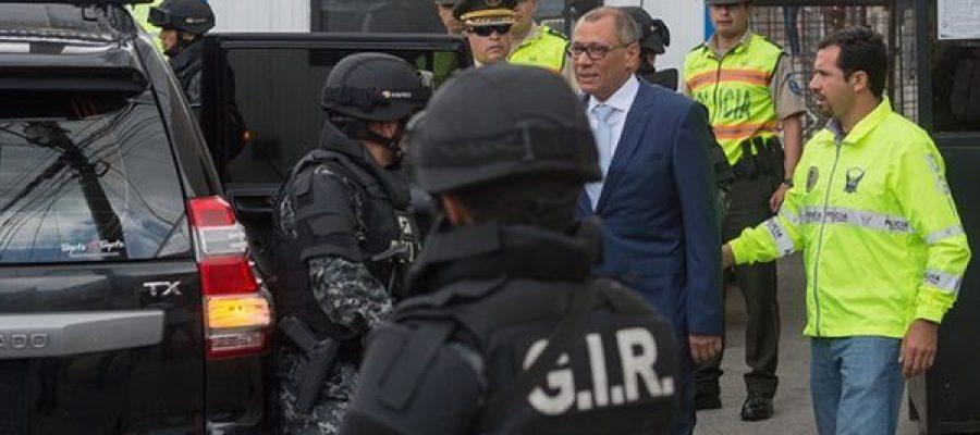"Vicepresidente Glas: ""Yo me retiro asqueado de la política"""