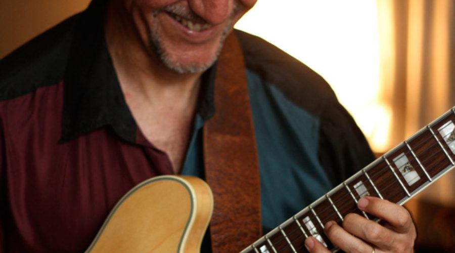 Mauricio Noboa: otra cosa es con guitarra.