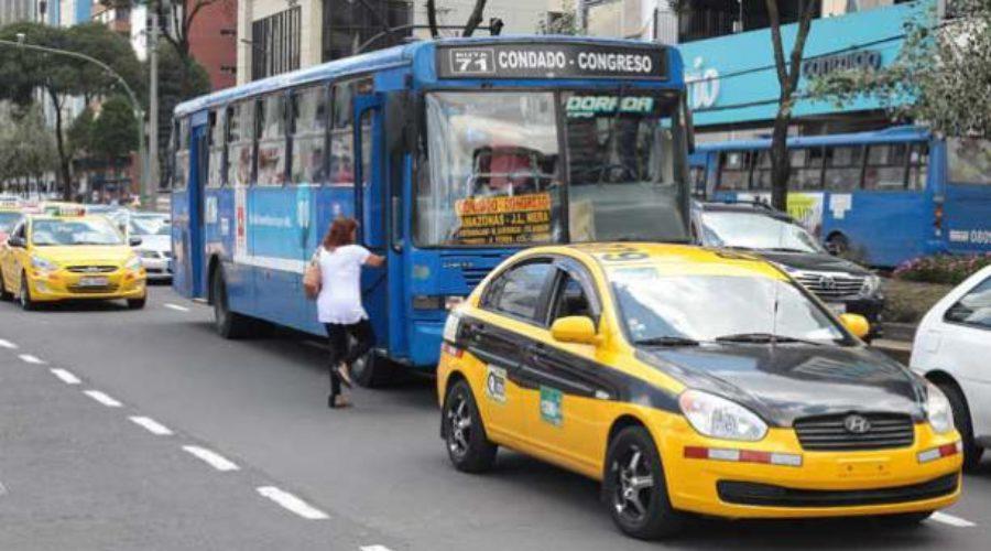 Corrupción sobre ruedas en el municipio quiteño
