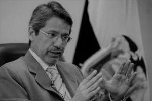 Raúl Vallejo, escritor de tomo y lomo