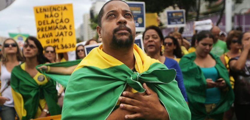 Brasil: entre el militarismo y el populismo