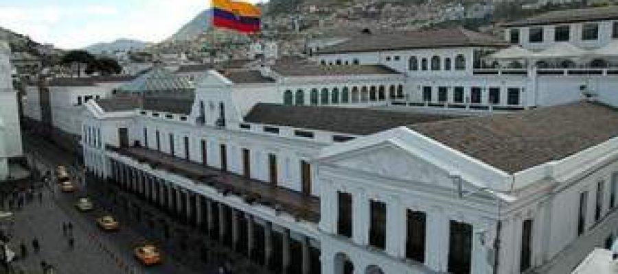 Ecuador: ¡se está cayendo la transición!