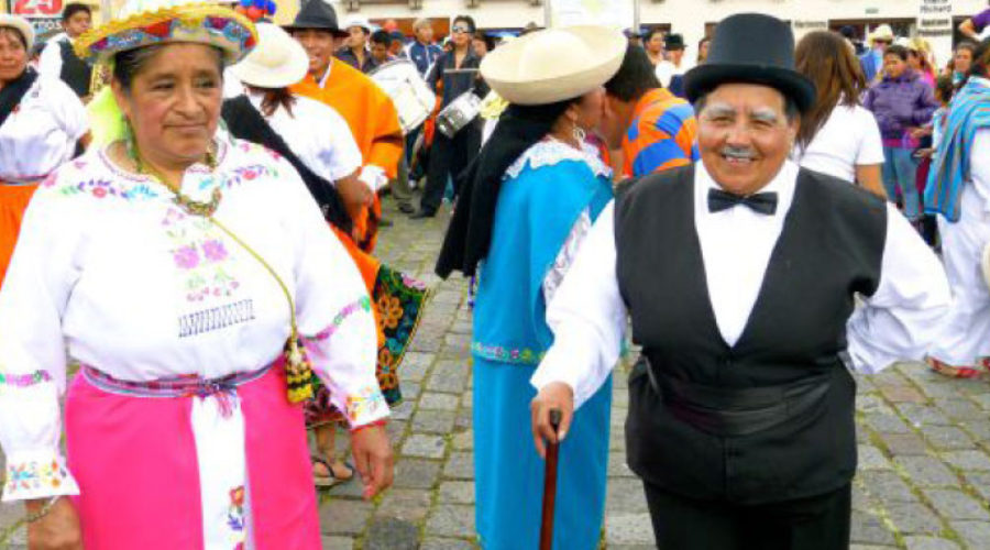 Del Chulla quiteño y otros pujos coloniales