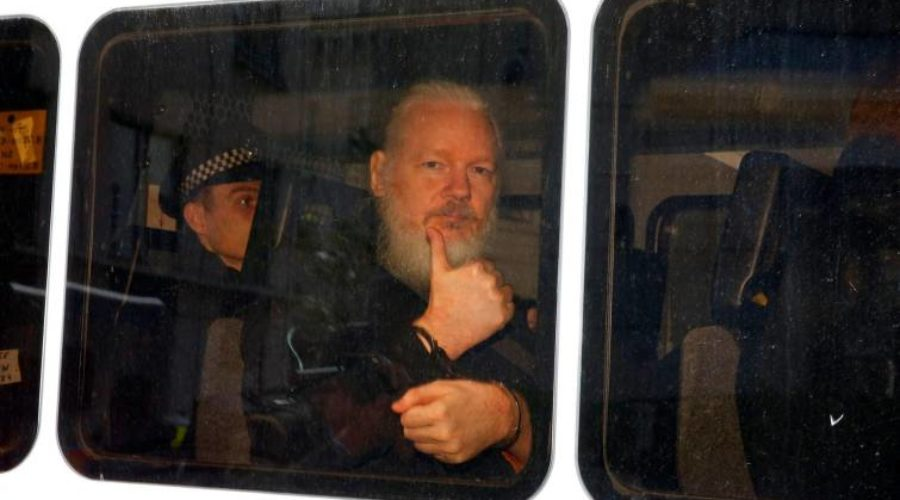 Responsabilizan a Lenin Moreno del destino final de Assange