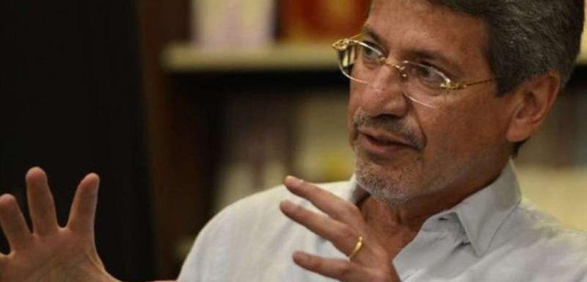 Raúl Vallejo y El perpetuo exiliado