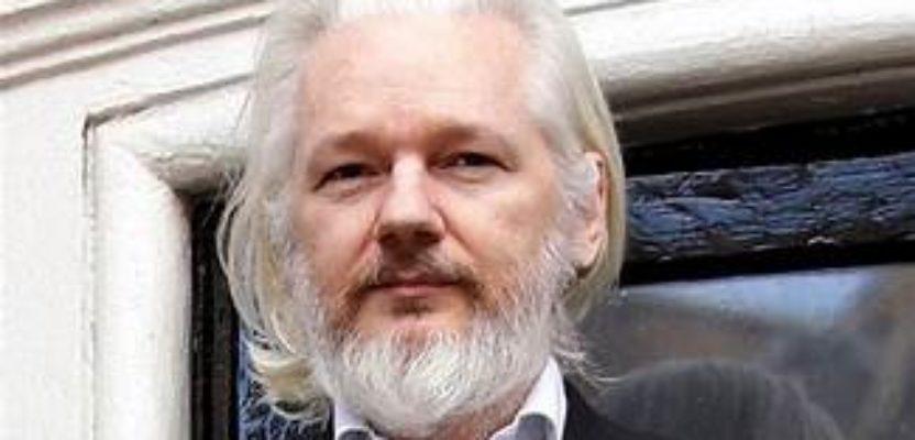 Assange, imperios y espías
