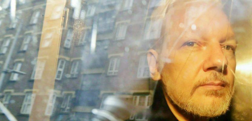 Assange espiado y engañado por oficialismo ecuatoriano