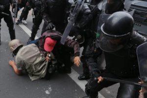 Colectivo Espejo Libertario rechaza agresión policial  a periodistas