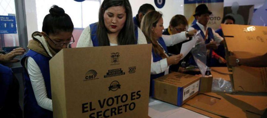 Mujeres ecuatorianas ganan espacio electoral