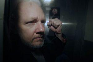 Assange imperio de la vigilancia e imperialismo