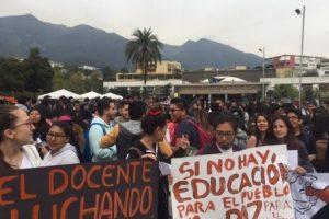 Universitarios rechazan recorte presupuestario a educación superior