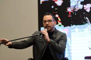 Cantante J. F. Velasco, aspira a la Presidencia