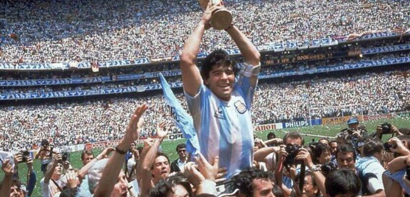 De Gardel a Maradona, magos de la soledad